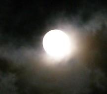 moon-207970_640